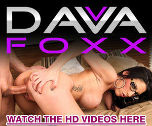 Super sexy cougar Dava Foxx in hardcore action