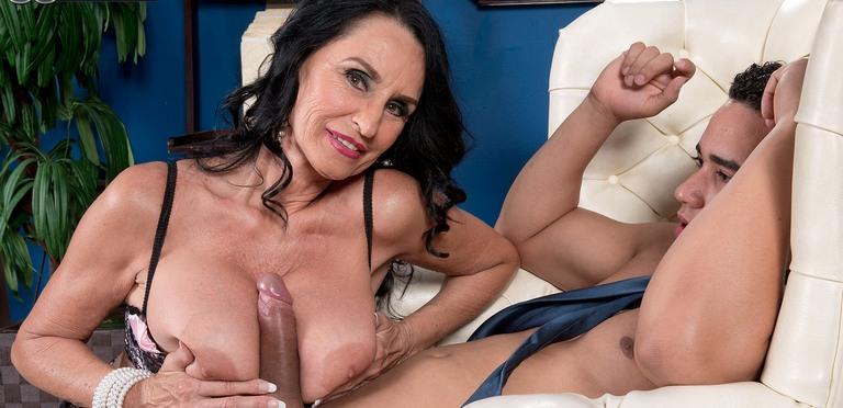 Lusty mature slut Rita Daniels is a top porn slut